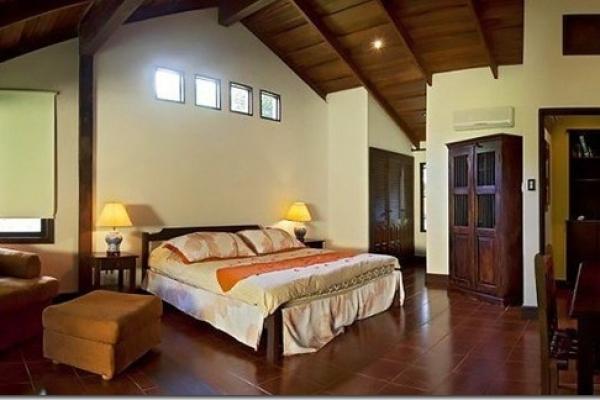 hotel-la-pacifica-room2C7CC89E-27D1-B489-D6CD-8ED3D418CE81.jpg